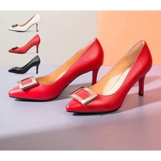 Giày nữ đỏ