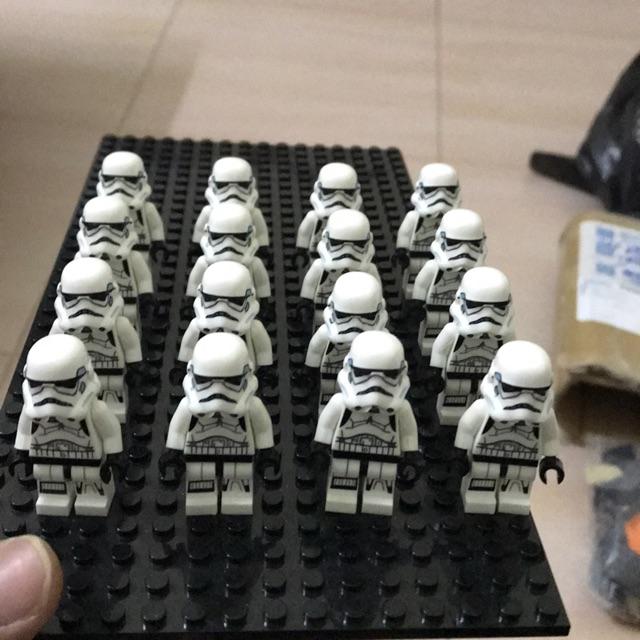 Minifigures 16 lính stormtrooper không bao gồm base