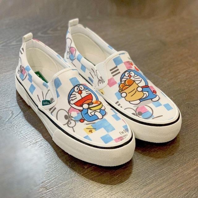 Giày lười slip on Doraemon