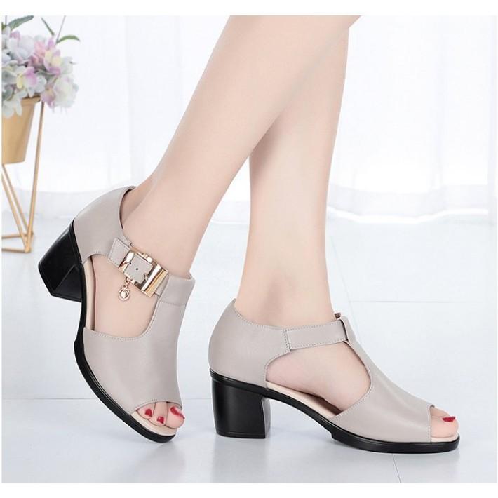 Giày Sandal nữ dáng trẻ trung, quyến rũ SD115