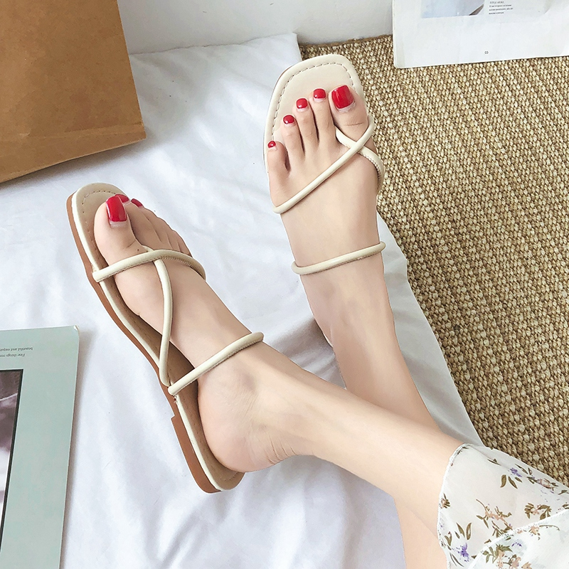 ✐✲∈Net red slippers female cute ins cool drag summer outside wearing shake tone super fire clip feet 2019 new flat bot