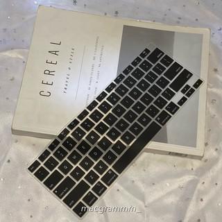 Phủ phím bảo vệ macbook - màu đen thumbnail