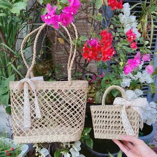 Giỏ cói đan vitage nơ ren và hoa cúc vô cùng xinh xắn cho mẹ và bé sống ảo nè