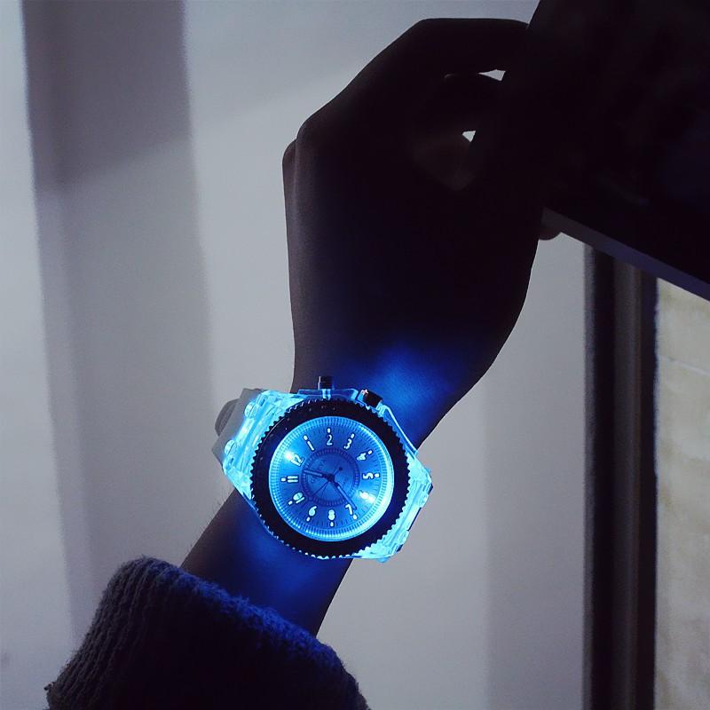 Đồng hồ Thạch anh nam nữ cao cấp có thể phát sáng trong bóng tối 4239