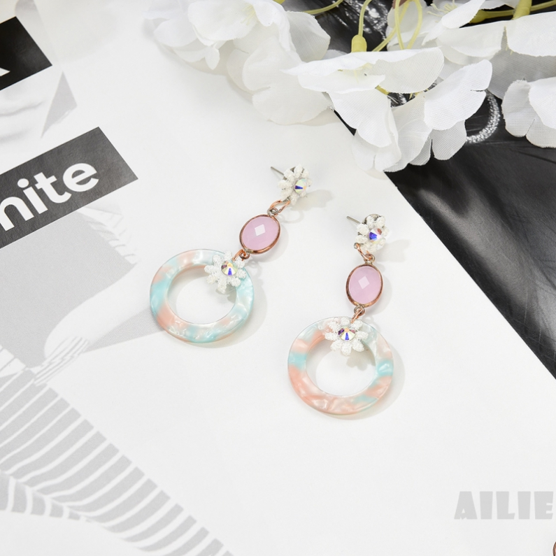 ailie Nordic style geometric insert acrylic fashion accessories