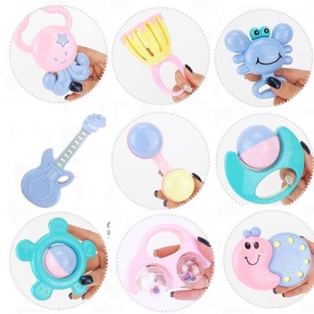Bộ đồ chơi xúc xắc hình bình sữa cho bé