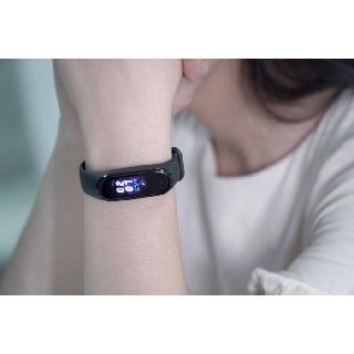 M4 – vòng đeo tay thể thao – đồng hồ thông minh – đầy đủ tác vụ như Miband 4