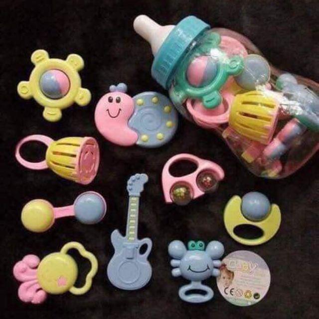 Xúc xắc bình ti Baby Toy 9 món cho bé