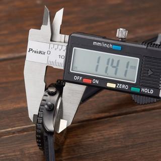 Đồng hồ analog nam dây silicon chống nước hình người dơi