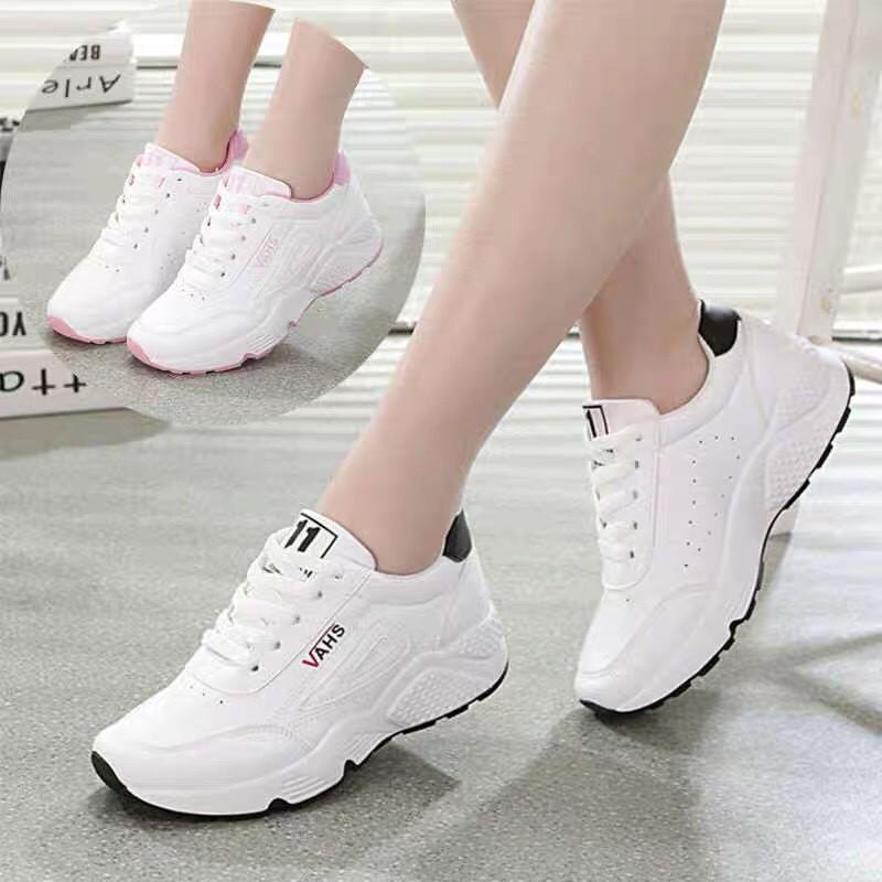 Giày Sneaker nữ đẹp mới nhất đế chống trơn trượt
