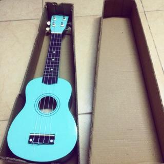 Đàn ukulele xanh bạc hà