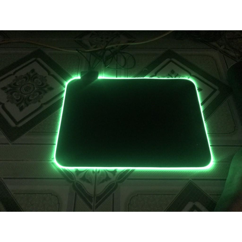 [Nhập ELCLMAY hoàn 30K xu đơn từ 200K]Mousepad (bàn di chuột) rgb 7 màu siêu mịn,siêu rẽ , siêu bền...