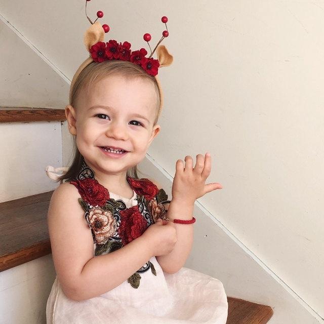Đầm xòe màu trơn thêu hoa 3D xinh xắn cho bé gái