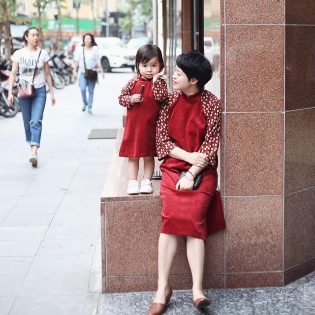 Áo dài cách tân mẹ và con gái