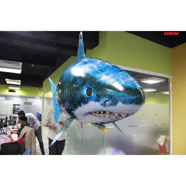 đổ sỉ cá bay điều khiển hình cá mập