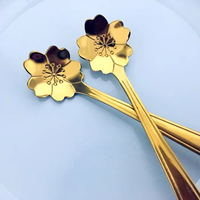 [SIÊU GIẢM GIÁ] Thìa Cà Phê INOX MẠ VÀNG Tân cổ điển với họa tiết Hình Hoa mang phong cách quý tộc sang trọng.