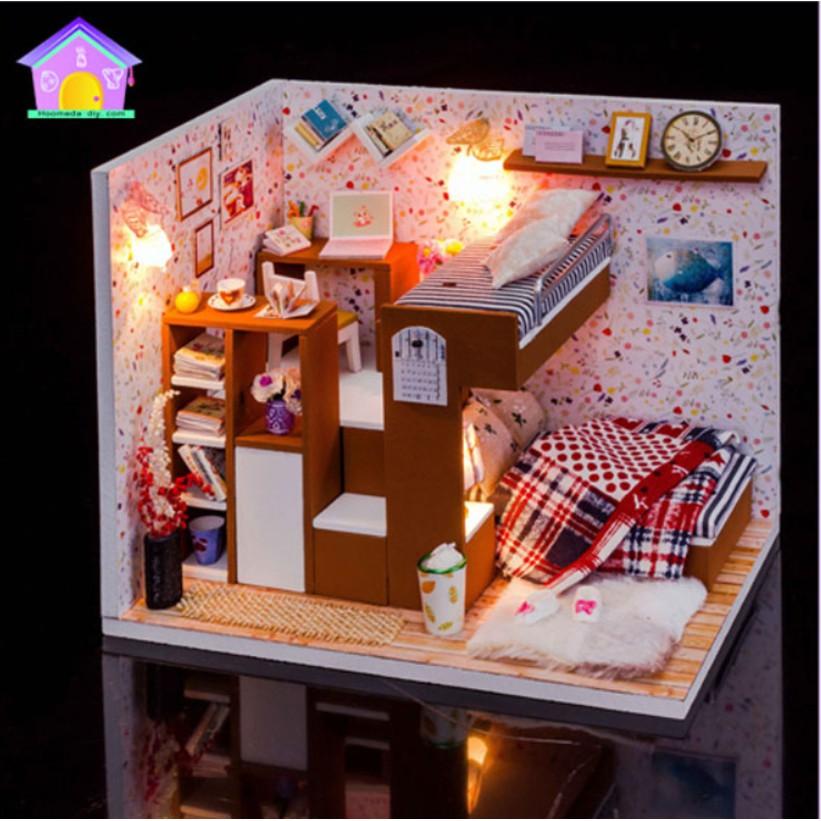 Phòng ngủ nhà búp bê có giường tầng thông minh kiêm giá sách