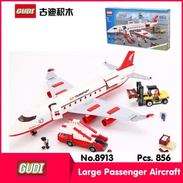 Lego 8913- Máy bay chở khách cỡ lớn