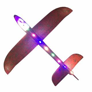 máy bay ném tay lượn quán tính bọt với ánh sáng
