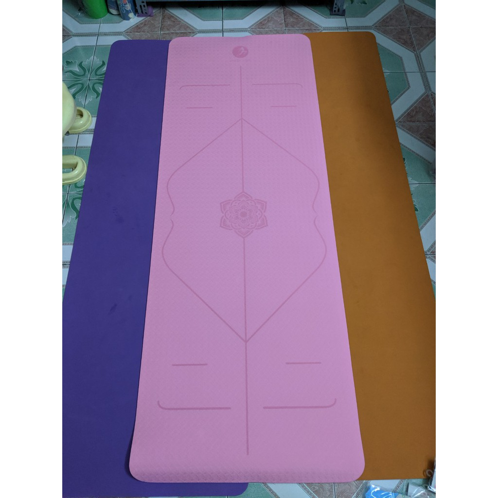 Thảm tập Yoga TPE định tuyến cao cấp Queen Yoga - Tặng túi đựng thảm chống nước cao cấp thiết kế độc quyền