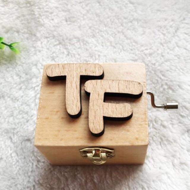 Hộp nhạc gỗ TFBOYS