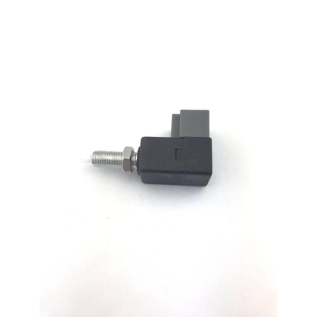 công tắc đèn phanh xe i10 i20 i30 optimus/magis