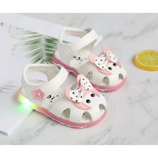 Giày sandal bé gái giày tập đi bé gái đế có đèn LED phát sáng size tập đi - 2846706 , 959520368 , 322_959520368 , 150000 , Giay-sandal-be-gai-giay-tap-di-be-gai-de-co-den-LED-phat-sang-size-tap-di-322_959520368 , shopee.vn , Giày sandal bé gái giày tập đi bé gái đế có đèn LED phát sáng size tập đi
