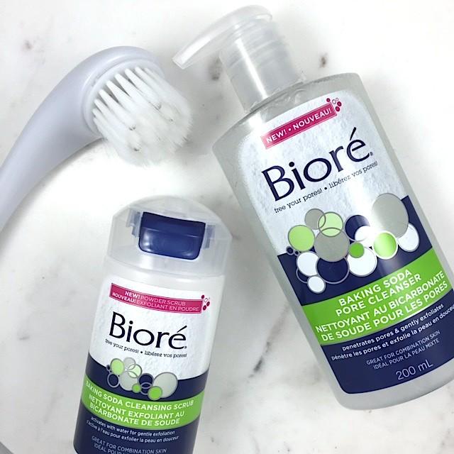 Sửa rửa mặt Biore baking soda pore cleanser 200ml