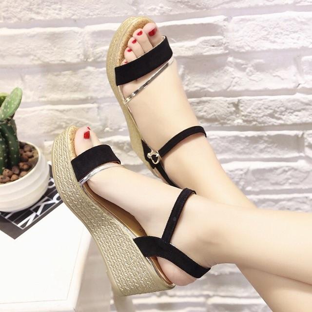 Dép sandal đế xuồng quai ngang - 10035970 , 347973553 , 322_347973553 , 220000 , Dep-sandal-de-xuong-quai-ngang-322_347973553 , shopee.vn , Dép sandal đế xuồng quai ngang