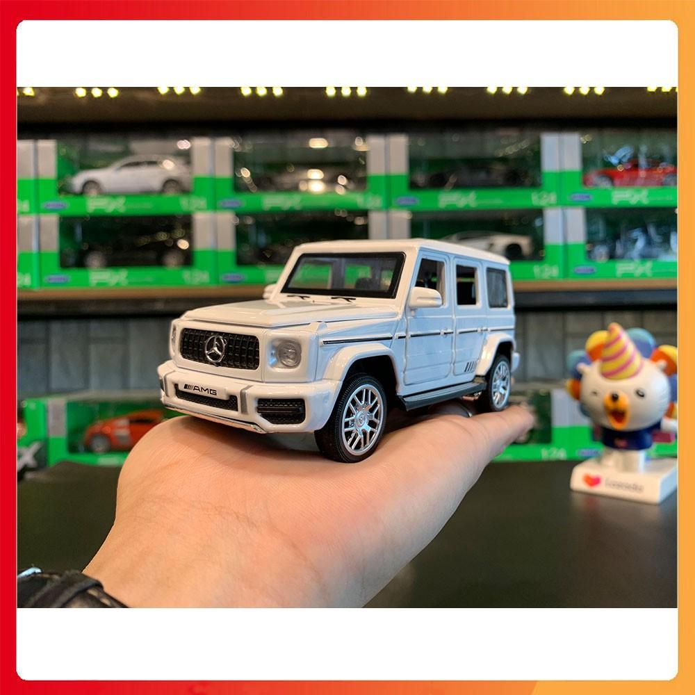 Mô hình xe Mercedes-Benz G63 tỉ lệ 1:32 màu trắng