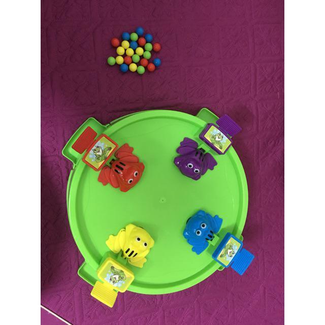 Bộ đồ chơi ếch tranh ăn – shopre