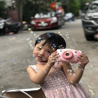 đồ chơi máy ảnh thổi bong bóng hình heo cho bé có tặng kèm dây đeo và 2 lọ dung dịch thổi bóng
