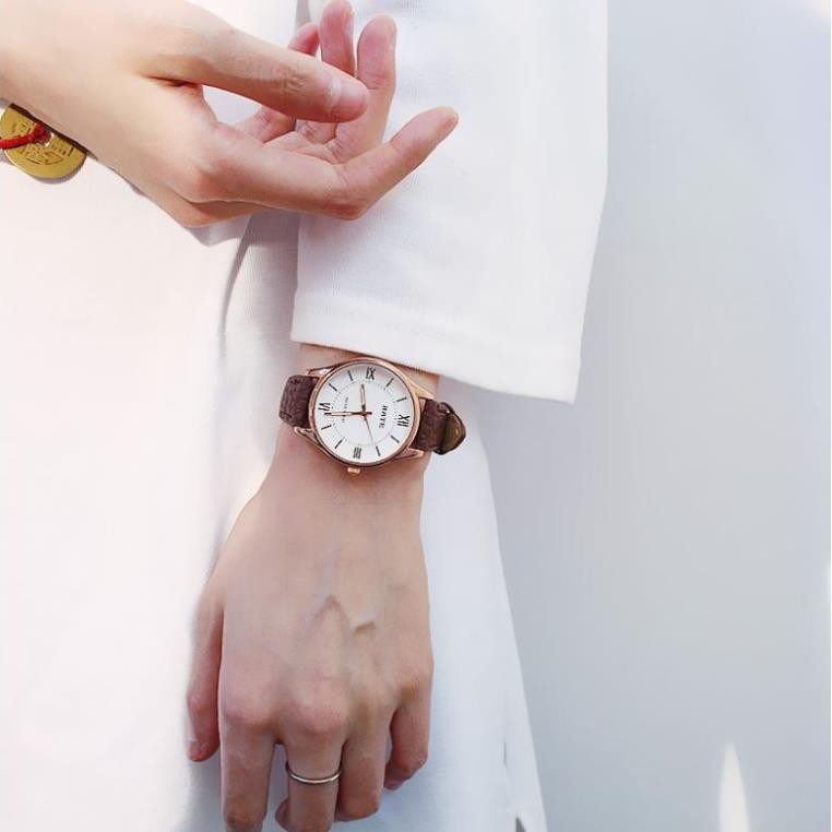 Đồng hồ RATE nữ dây da mặt tròn Số LA MÃ M12
