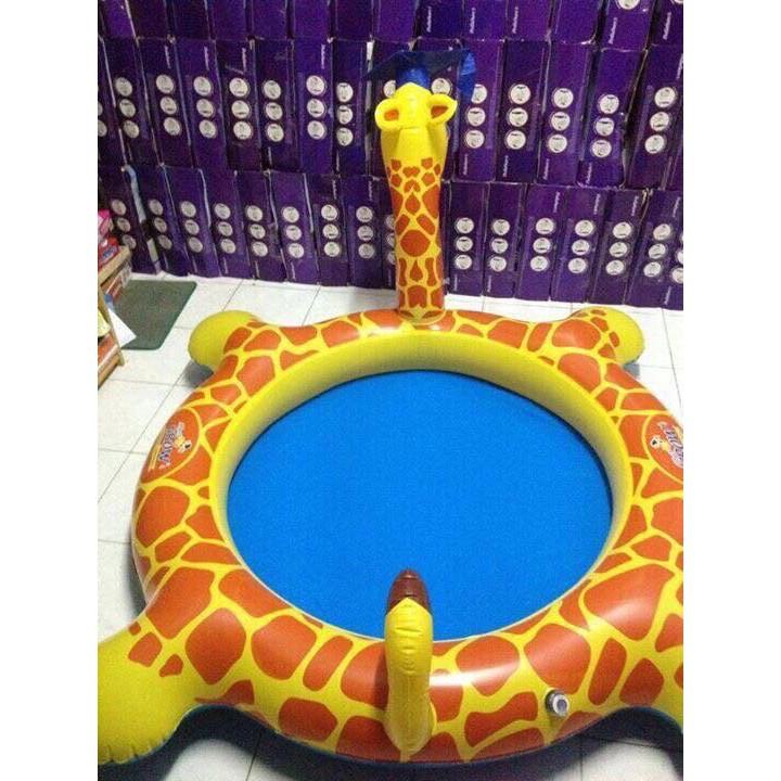 Bể bơi hình con Hươu