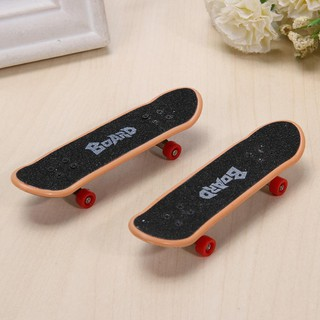 🍀2pcs Funny Alloy Mini Finger Skating Board Table Game Toy Kids Skateboard Gifts