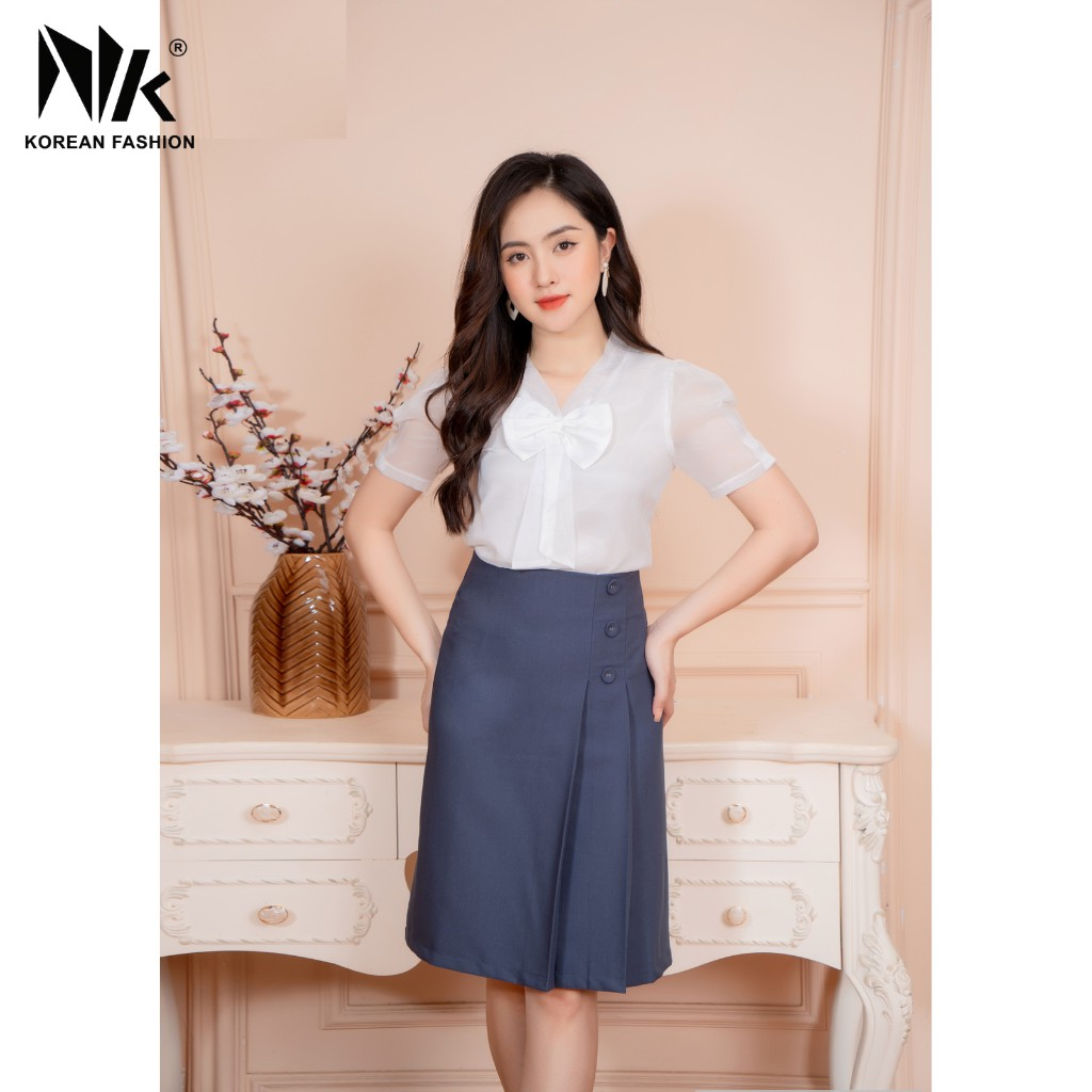 Mặc gì đẹp: Phong cách với Áo Sơ Mi Nữ Công Sở Ngắn Tay Bồng Cổ Nơ Vải Voan Đẹp Kiểu Hàn Quốc Thoáng Mát Thấm Hút Tốt NK FASHION NKFSM2103027