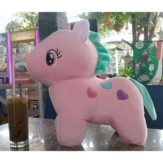 Ngựa pony. Chất siêu mềm và mịn, tựa miniso, rất thích hợp và an toàn cho bé khi chơi. Sản phẩm rất hot dành cho bé gái