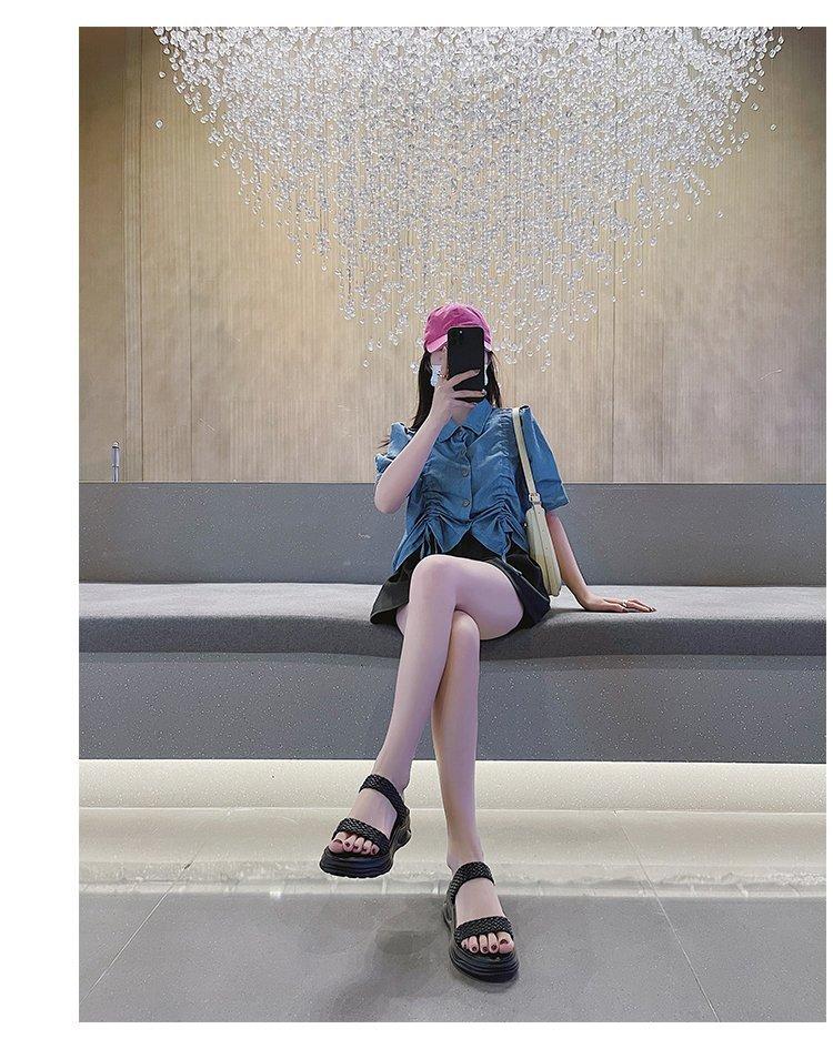 Xăng đan Nữ Quai Ngang Mũi Tròn Thời Trang