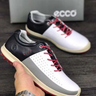 Giày đánh golf