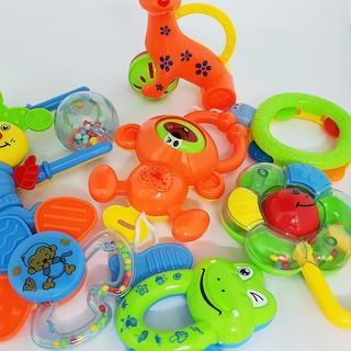 Bộ đồ chơi xúc xắc 8 món cho bé – RẺ NHẤT HÀ NỘI