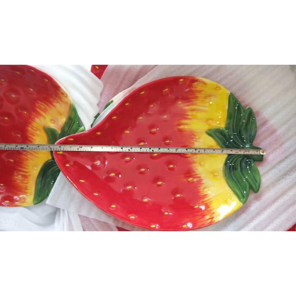 Bát đĩa gốm sứ tráng men hình trái dâu tây đỏ