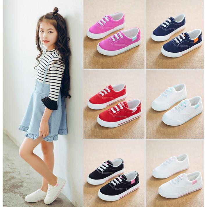 Giày thể thao cho bé chất liệu vải tổng hợp kiểu dáng đơn giản