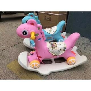 Ngựa bập bênh có bánh xe và nhạc màu xanh-hồng WTool Set