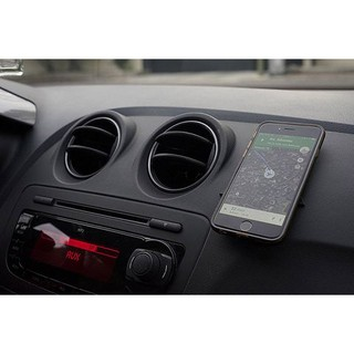 Miếng dán điện thoại để đồ trên ô tô thumbnail
