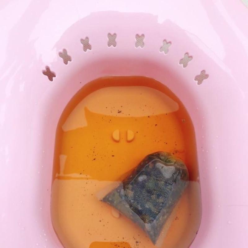 Chậu xông rửa vùng kín sau sinh kèm bơm xịt
