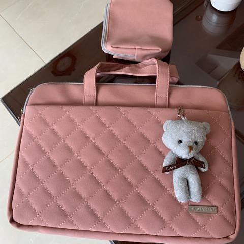 Túi xách chống sốc thời trang cho Laptop, Macbook tặng kèm túi đựng phụ kiện và gấu bông treo