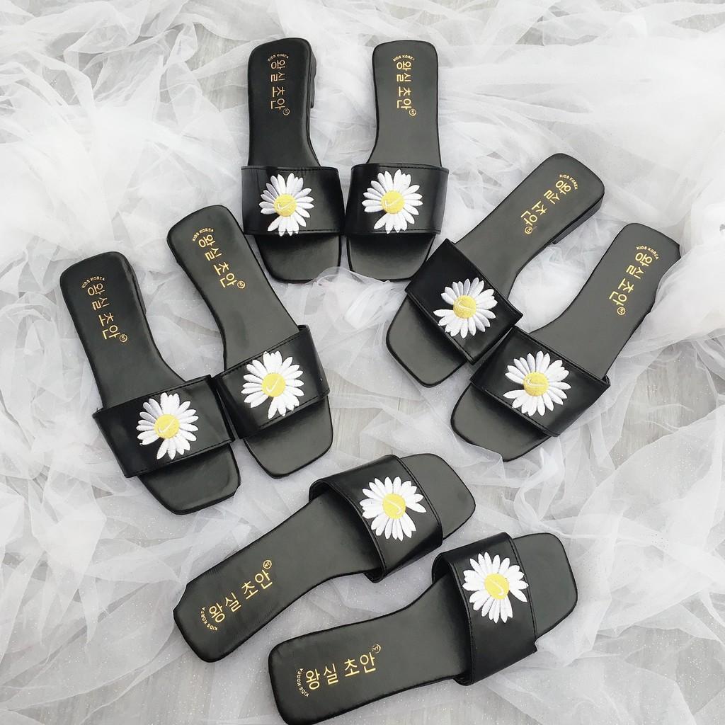 [Mã FADI5K245 giảm 5k đơn bất kỳ] Dép hoa cúc thêu lót vàng sang chảnh 2020
