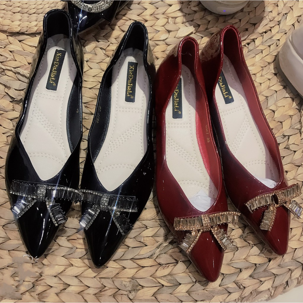 Giày bệt đế dẻo ⚡️𝗙𝗥𝗘𝗘𝗦𝗛𝗜𝗣⚡️ gắn nơ đá chất liệu da bóng, Giày búp bê thời trang phù hợp đi chơi, tham dự tiệc