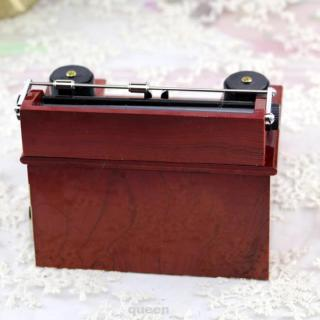 Classical Clockwork Mechanism Decoration Exquisite Home Kids Office Retro Style Typewriter Pattern Music Box