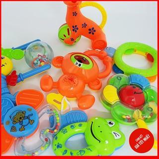 Bộ đồ chơi xúc xắc 8 món cho bé – RẺ NHẤT VN